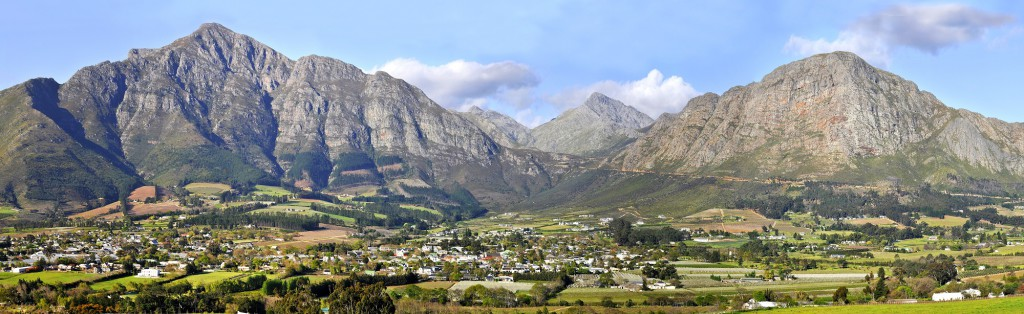 Franschhoek with its surrounding mountains