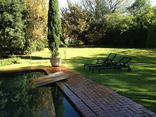 Foxwood house sandton accommodation joburg tourism for Foxwood house