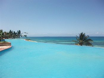 Harvey World Travel Centurion - Sea Cliff Resort & Spa - Zanzibar