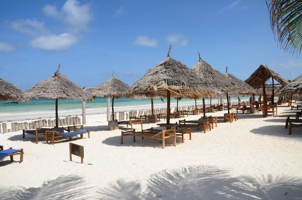 Rove Africa - ZANZIBAR - Waridi Beach Resort, Tanzania
