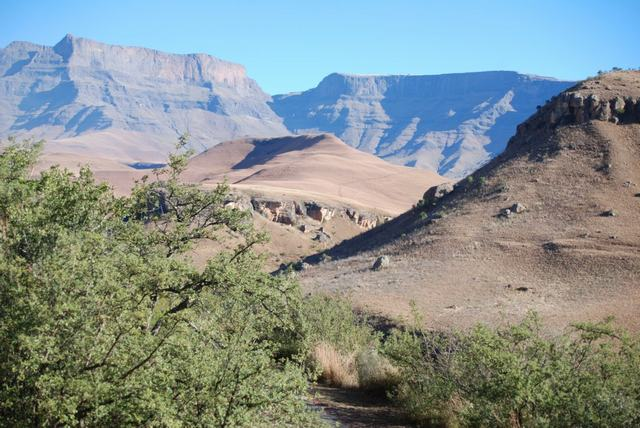 TRAVELFIX - 5 Day Hiking the Drakensberg, South Africa