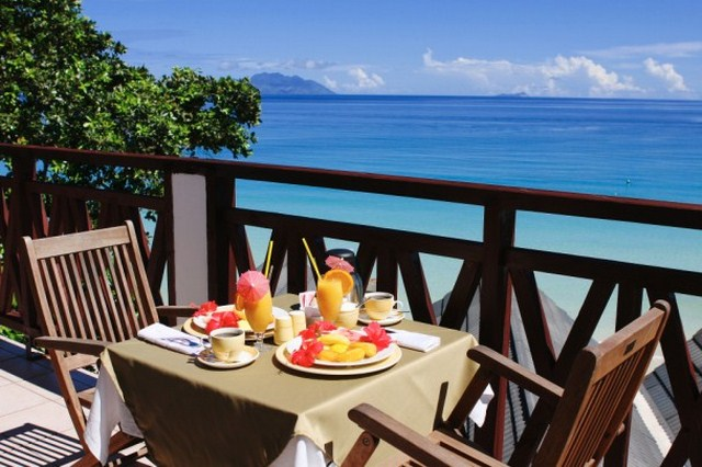 Harvey World Travel Centurion - Coral Strand Hotel - Honeymoon Seychelles