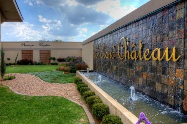 Le Grand Chateau Hotel In Parys