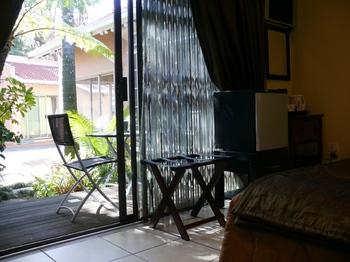 Whara Whara Guest House in Randburg