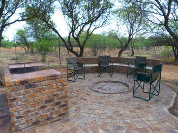 Tshikwalo Lodge in Dinokeng Game Reserve