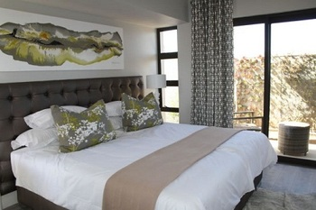 Thirty Two Boutique Hotel