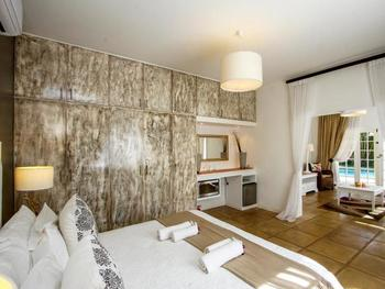 Caza Beach Guesthouse in Umhlanga Rocks