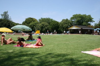 ATKV Buffelspoort Holiday Resort Magalies Villas in Mooinooi