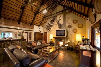 Mziki Safari Lodge in Hartbeesfontein