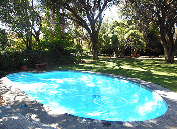 The Nutshell Guest House in Jan Kempdorp